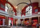 Czerwona półka niczym współczesna architektura? Zmiany w Muzeum Schiedam